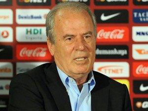 Mustafa Denizli, ilk antrenmanına çıktı