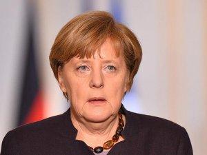 Almanya Başbakanı Merkel: Türkiye'nin yükünü azaltmalıyız