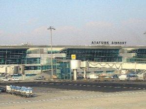 Atatürk Havalimanı'nda pasaport skandalı