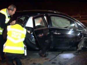 Alkol kaza getirdi:1'i ağır 5 yaralı