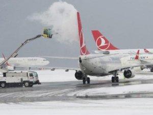 Van'da uçak seferleri iptal edildi