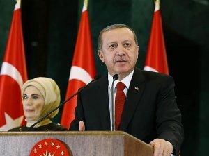 Cumhurbaşkanı Erdoğan: Suriye rejimini destekleyenler insana değer veriyor olabilir mi?