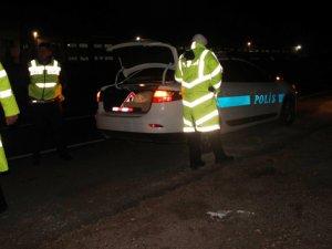 Otomobil iş çıkışı işçilere çarptı: 1 ölü, 1 yaralı