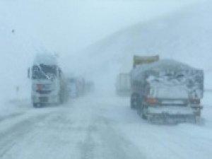 Sürücülerin kar ve tipi ile imtihanı