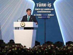 Başbakan Davutoğlu: Türkiye'nin hiçbir ülkenin toprağında gözü yoktur