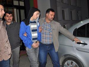 Cinayet zanlısı 3 kişi tutuklanarak cezaevine gönderildi