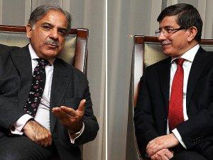 Davutoğlu Pakistan Pencap Eyalet Başbakanı Şerif'i kabul etti