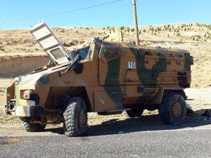Zırhlı araç devrildi, 10 özel harekat polisi yaralandı