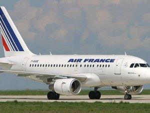 Air France uçağı, tehdit nedeniyle rotasını değiştirdi