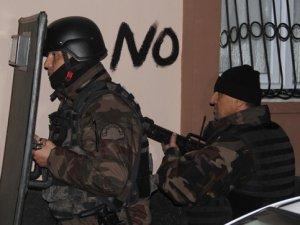 Adana'da kaçakçılara şafak operasyonu