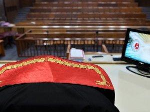 Eski bakanlara hakaret davasında karar