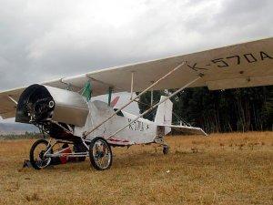 Etiyopyalı mucit kendi imkanlarıyla uçak yaptı