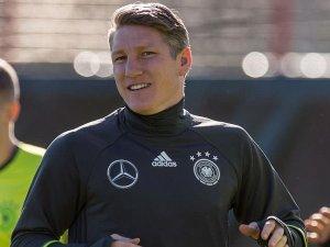 Schweinsteiger'e üç maç ceza