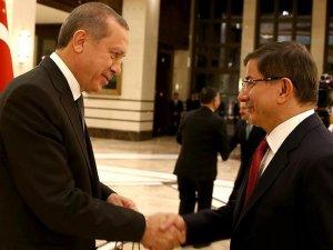 Başbakan Davutoğlu'ndan Cumhurbaşkanı Erdoğan'a torun tebriği