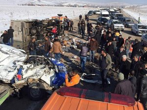 Van'da trafik kazası: 10 ölü, 3 yaralı