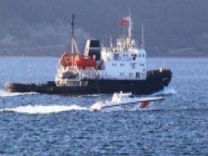Rus askeri gemisi Çanakkale Boğazı'ndan geçti