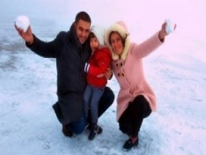 Antalya'ya ilk kar düştü