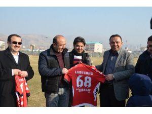 Aksaray'da Ak Parti Heyetinden Spora Destek