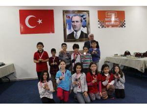 Antalya Küçükler Satranç Turnuvası Deepo'da Düzenlendi