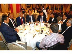 Başkan Duruay'dan Abb Meclis Üyelerine Yemek