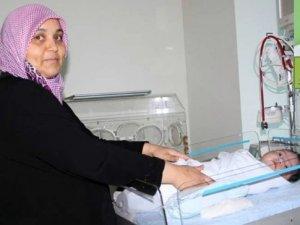 20 günlük Zeynep bebek, akciğer ameliyatı ile sağlığına kavuştu