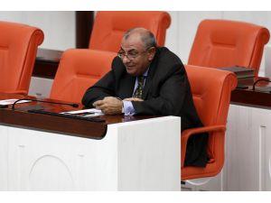 Tuğrul Türkeş kürsüye çıktı; milletvekilleri MİT TIR'larını sordu