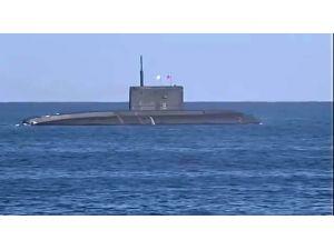 Akdeniz'deki görevini tamamlayan Rus denizaltısı Karadeniz'e döndü