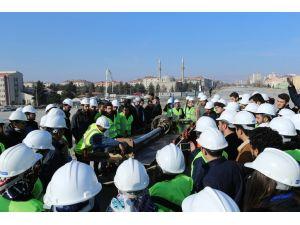 Mühendislik bölümü öğrenciler köprü inşaatında eğitim aldı
