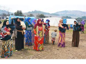 Torbalı'daki Suriyelilere belediyeden ziyaret