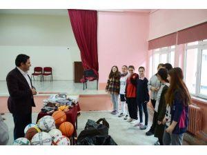 Seyitgazi Belediyesi Okul Takımlarına Desteğini Sürdürüyor