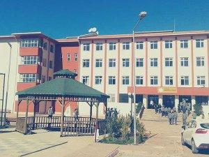 Şırnak'ta iki okulu basan teröristler öğrencileri tehdit etti