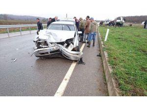 Kaynarca'da trafik kazası: 4 yaralı