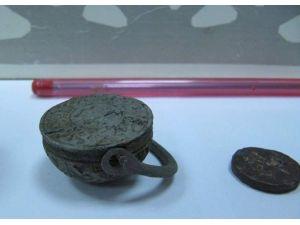 Tarihi Eser Operasyonunda 3 Bin 600 Yıllık Mühür Ele Geçirildi