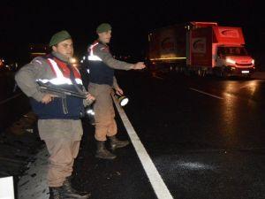 Balıkesir'deki Kazada Çift Şeritli Yol Savaş Alanına Döndü