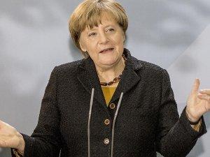 Merkel: Türkiye AB için kilit partnerdir
