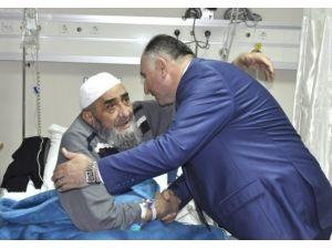 Çağlayan'dan Hastalara Ziyareti