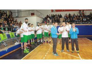 Basketbol Takımı Galibiyete Kilitlendi