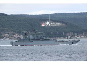 Rus savaş gemisi 'Yamal' Çanakkale Boğazı'ndan geçti