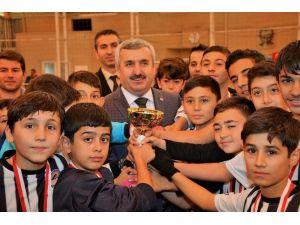 Başkan Baran Ortaokullar Arası Futbol Turnuvasına Katıldı