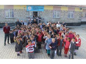 Develi Belediye Başkanı Mehmet Cabbar Okulları Ziyaret Etti
