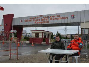 Umut nöbetini devralan Fatih Portakal: Demokrasinin geldiği yer burası