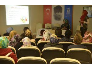 Tepebaşı'nda Kadınlara Yönelik Sağlık Eğitimleri Sürüyor