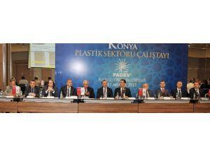 Plastik Sektörü Sorunlarını Çalıştayda Masaya Yatırdı