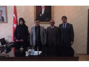 Kaymakam Ada, Erzurum Meclis Başkanını Ödüllendirdi