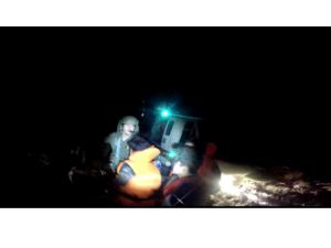 Denizde mahsur kalan 108 kaçak göçmen kurtarıldı