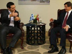 Başbakan Davutoğlu Çipras ile görüştü