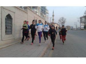 Aksaray Atletizm Takımı Şampiyona İçin Gaziantep'e Gidiyor