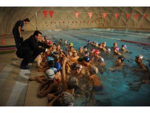 Osmangazi'de Dört Mevsim Yüzme Keyfi