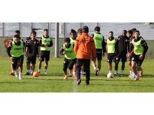 Adanaspor'da KARDEMİR Karabükspor Hazırlıkları Sürüyor