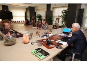 Nilüfer Belediyesi, Huzurevi Dernek'le Güçlendi